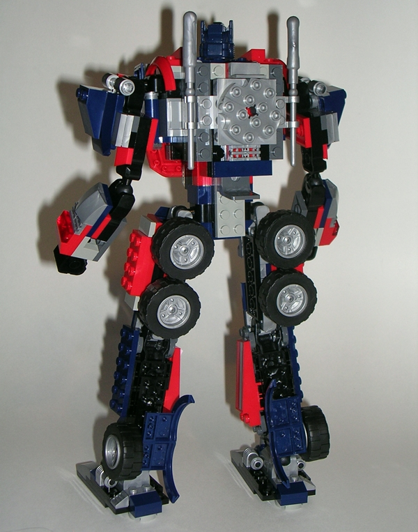 Transformers Kre-O: Optimus Prime by Hasbro, Part 2 | FigureFan Zero
