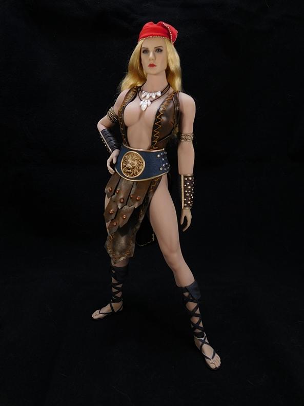 1//6 Scale Toy Pirate Arhian Pair of Female Wrist Gauntlets